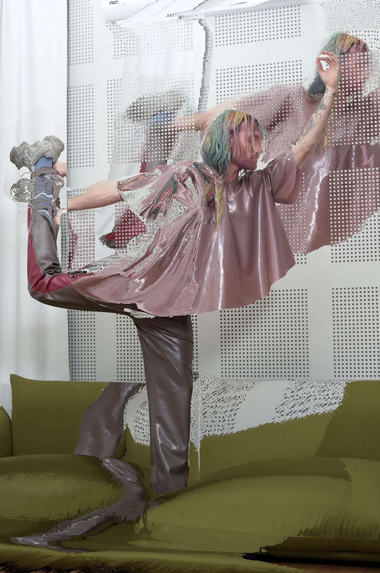 Photo of a women for Apart Publication, by Perimetre creative studio based in Paris