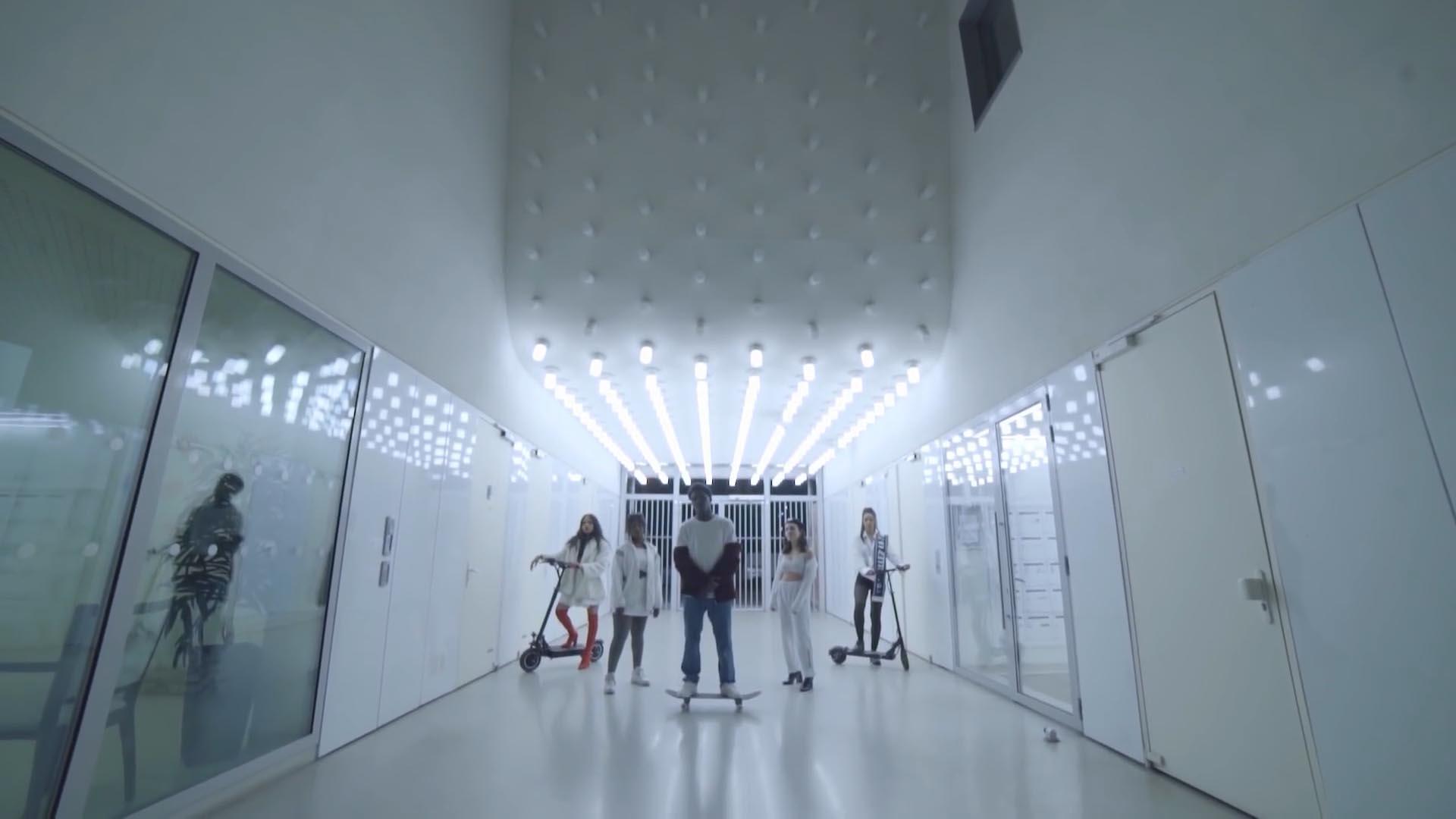 Picture of Yellam's music video, by Perimetre creative studio based in Paris
